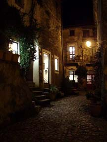 Night scene at Calcata
